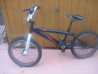 Boys bike - - age about 7 - 9 - - - £5 - -