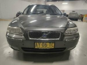 2004 Volvo V70 05 Upgrade 2.4 20V SE Grey 5 Speed Automatic Wagon Mitchell Gungahlin Area Preview