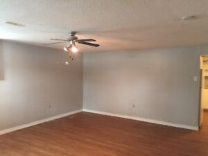 Midland, Large lower level 3 bedroom, with utilities in