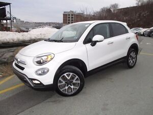 2016 Fiat 500 X Trekking AWD (REDUCED TO AN OUTSTANDING $17980!)