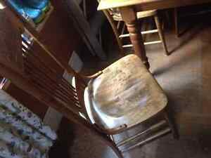 SOLID PINE HARVEST TABLE WITH CHAIRS Kingston Kingston Area image 3