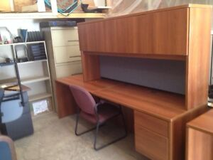 Are you looking for an office desk / workstation?