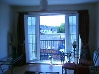 Central Nantwich modern light airy 1 bed f/f flat,views over Nantwich skyline,parking available*
