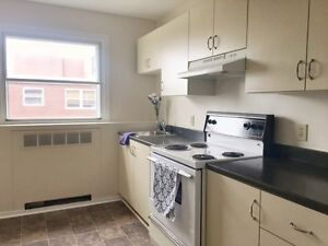 TWO BEDROOM WITH HARDWOOD FLOORS OFF PORTLAND - $99 1ST MONTH!!!