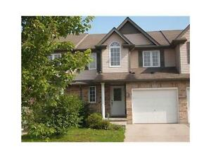 Great townhouse available in Laurelwood, Close to best school !!