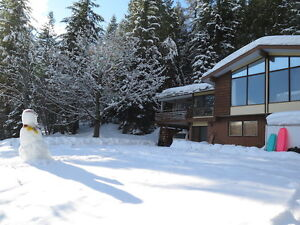 ROSSLAND – 5 BEDROOM HOUSE ON 7 ACRES  $555K