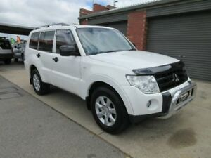 2010 Mitsubishi Pajero NT MY10 Activ White 5 Speed Auto Sports Mode Wagon