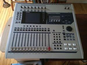 Yamaha AW 2400