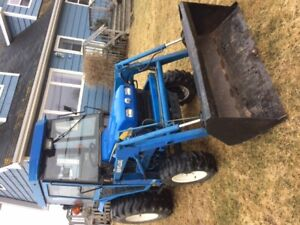 New Holland t1510 tractor hst trans  4x4 cab