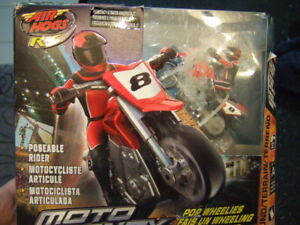 Air Hogs XS Motors Red Moto Frenzy Stunt Bike Ch A,p2,0965