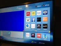 """Linsar 28"""" HD Ready Titanium LED Smart TV with Integrated DVD Player and Freeview HD ."""