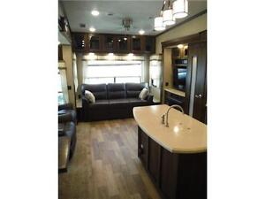2017 Compass 377MB Luxury 2 bedroom 5th wheel - 4 slideouts Stratford Kitchener Area image 4