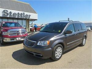 2015 Chrysler Town & Country Touring REAR DVD! POWER LIFTGATE!