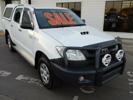 2011 Toyota Hilux KUN26R SR White 4 Speed Manual Utility Emerald Central Highlands Preview