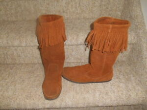 Ladies size 9 footwear