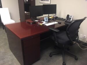 Beautiful solid wood  Executive Desk great used condition