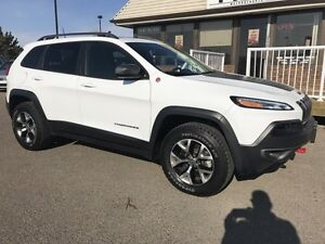 2016 Jeep Cherokee Trailhawk, CLEAN CARPROOF