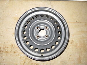 """Four 15"""" rims in excellent condiion - 4 x 100 mm pattern Gatineau Ottawa / Gatineau Area image 1"""