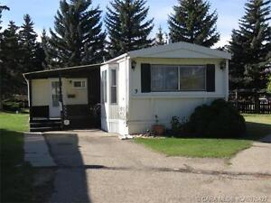 WELL MAINTAINED IN PARKSIDE ESTATES!