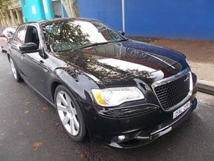 2014 Chysler 300 SRT8 only 34000kms new car condition