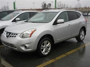 2013Nissan Rogue S AWD for sale with 4 winter tires(used 1 year)