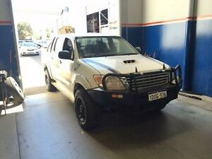 2010 Toyota Hilux KUN26R MY11 Upgrade SR (4x4) Glacier White 5 Speed Manual Dual Cab Pick-up Beckenham Gosnells Area Preview
