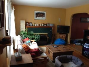 Hillcrest 2 bedroom with garage - Open house Thursday 6-8pm