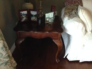 Beautiful Maple Coffee Table with Matching Side Table Kitchener / Waterloo Kitchener Area image 2