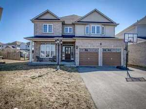 4 Bedrooms Detached Home in Oshawa