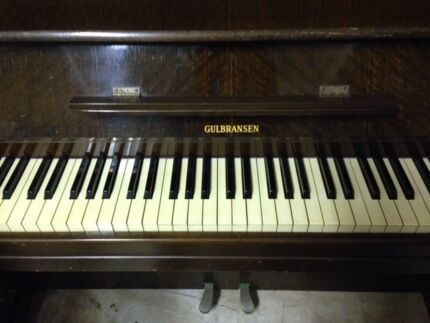 GULBRANSEN UPRIGHT PIANO IN GOOD WORKING ORDER Balgowlah Manly Area Preview