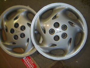Enjoliveurs/Hubcaps Pontiac Sunfire West Island Greater Montréal image 1