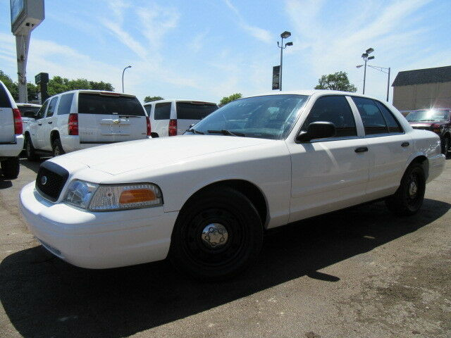 Image 1 of Ford: Crown Victoria…