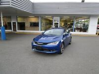 2015 Chrysler 200 S - Premium Fully Loaded 200 Sport