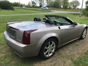 2004 Cadillac XLR  Coupe Low KM 59,000 Front Damage