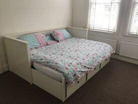 Lovely Room (66AR1)