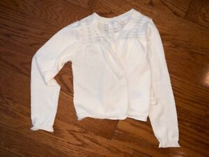 Mint condition GAP cream sweater