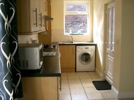 Large Double Room Nr city centre Includes council tax, water and high speed internet