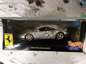 Hot Wheels Ferrari 1998 F355 Challenge 1:18 Scale Die Cast