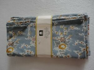 Set of 4 blue grey floral print kitchen napkins New with tags