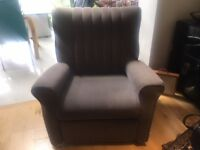 Cloth arm chair Recliner in very good condition £50