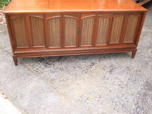 Vintage Phillips TV stereo console