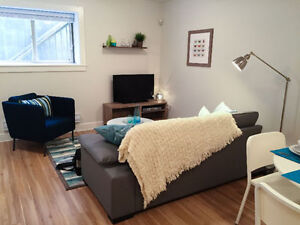 Furnished 2 Bedroom Modern Suite - Daily/Weekly/Monthly North Shore Greater Vancouver Area image 3