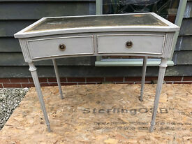 Desk with Drawers. Vintage/Shabby Chic.