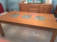 Oak Dining Table in Superb Condition