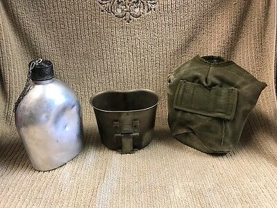 VINTAGE MILITARY CUP AND CANTEEN POUCH, CANTEEN IS NON MILITARY Free Shipping!!