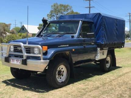 TOYOTA LANDCRUISER UTE * 210ks KITTED OUT RWC & REGO * Clontarf Redcliffe Area Preview