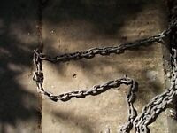 GALVANISED STEEL CHAIN APPROX 5 METRES.