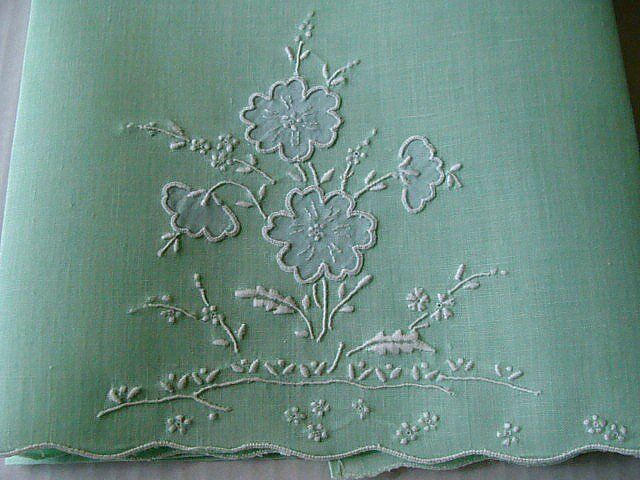 Vtg MADEIRA Mint Green Linen Guest Towel Unused LABEL Hand Embroidered PRISTINE