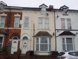 ONE BEDROOM STUDIO FLAT FURNISHED CLOSE TO CITY CENTRE WITH LOCAL SERVICE ROUTES ONLY £275PCM