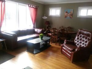 Roommate needed to share West Broadway / Westminster House Oct 1